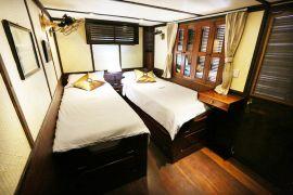 toum tiou cruise 10