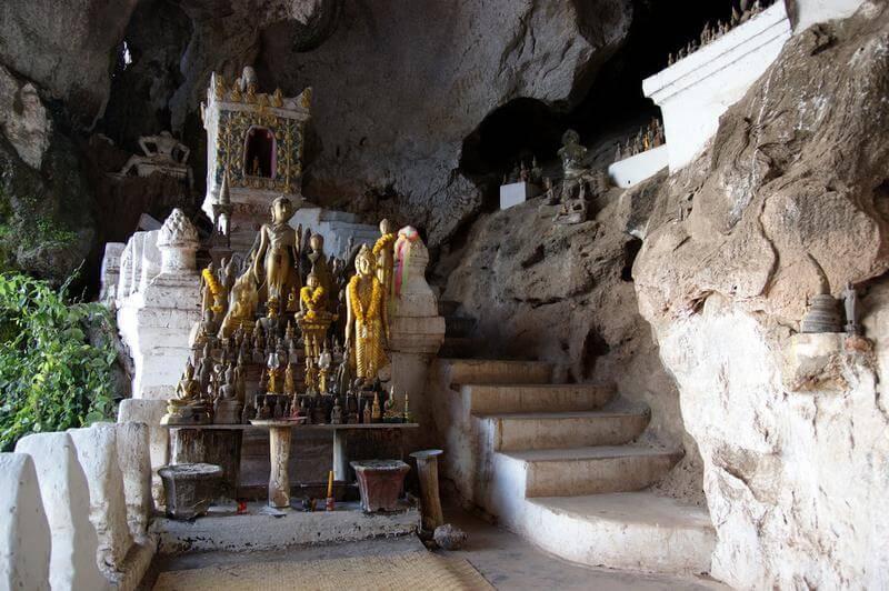 Pak Ou caves 6