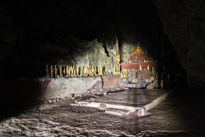Pak Ou caves 8