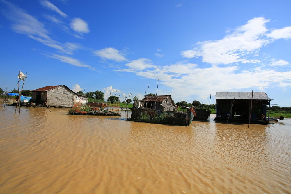 floating villages in cambodia 11