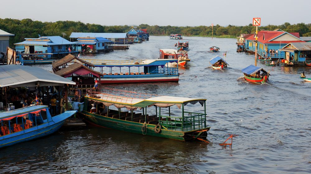 floating villages in cambodia 1