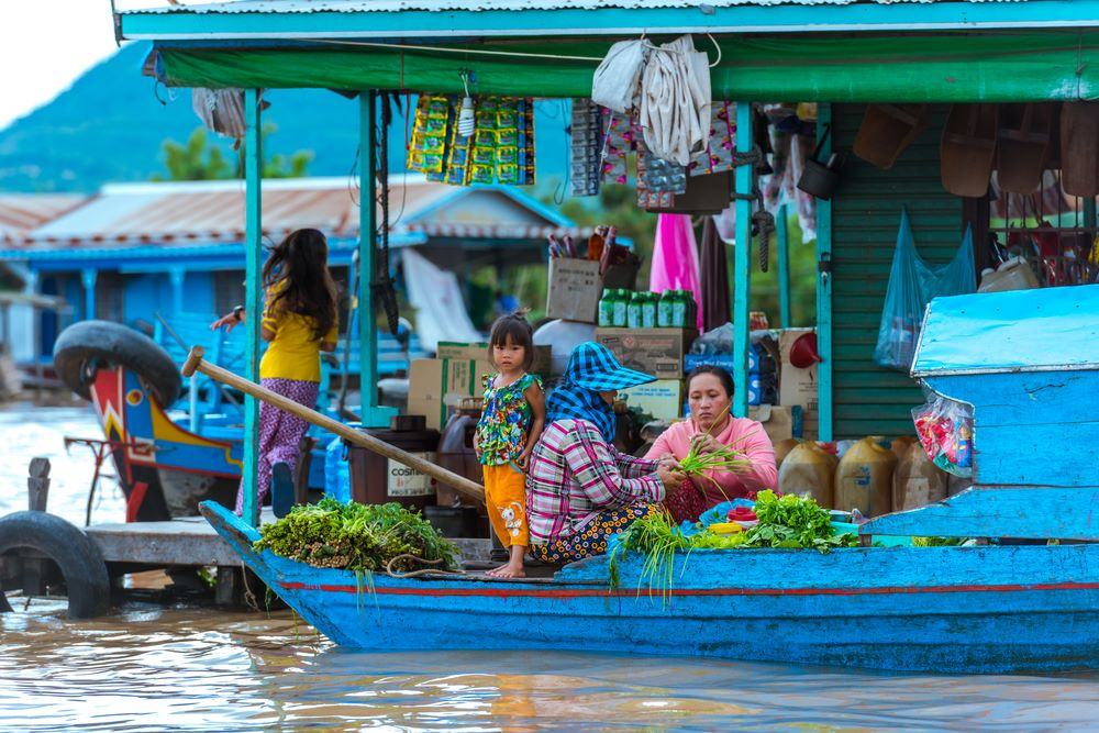floating villages in cambodia 7