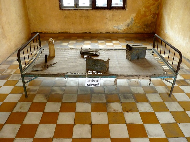 tuol sleng genocide museum 5