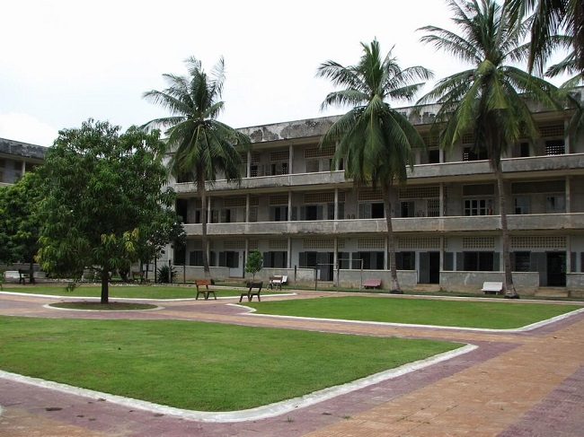 tuol sleng genocide museum 2